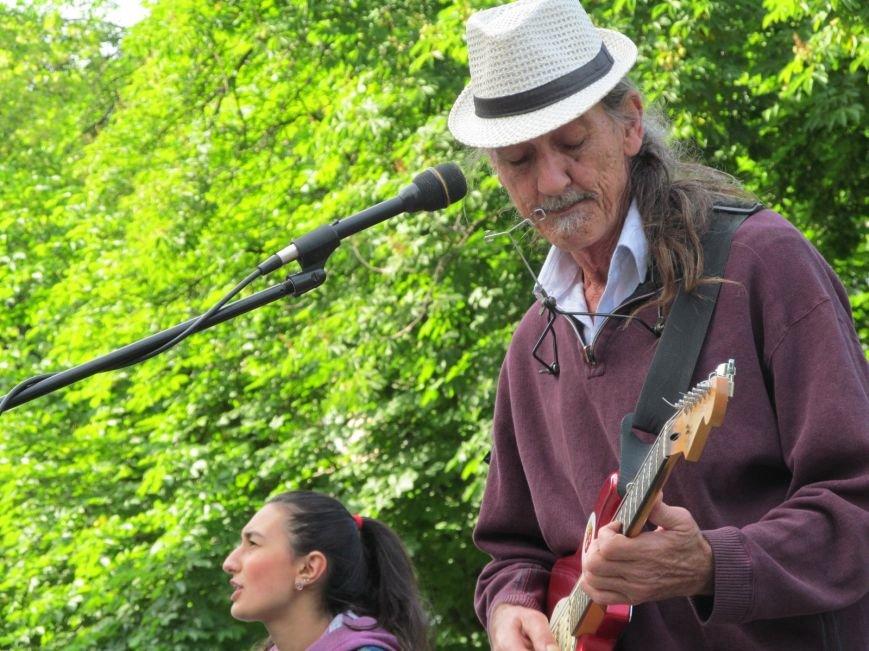 Американець Джеф Кайл грає блюз на вулицях Кременчука (ФОТО, ВІДЕО), фото-4