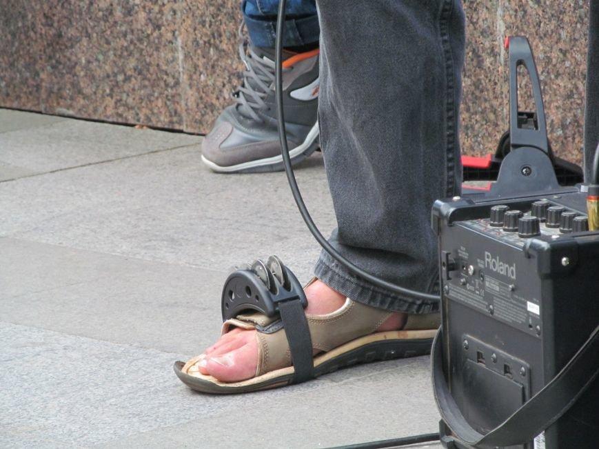 Американець Джеф Кайл грає блюз на вулицях Кременчука (ФОТО, ВІДЕО), фото-5