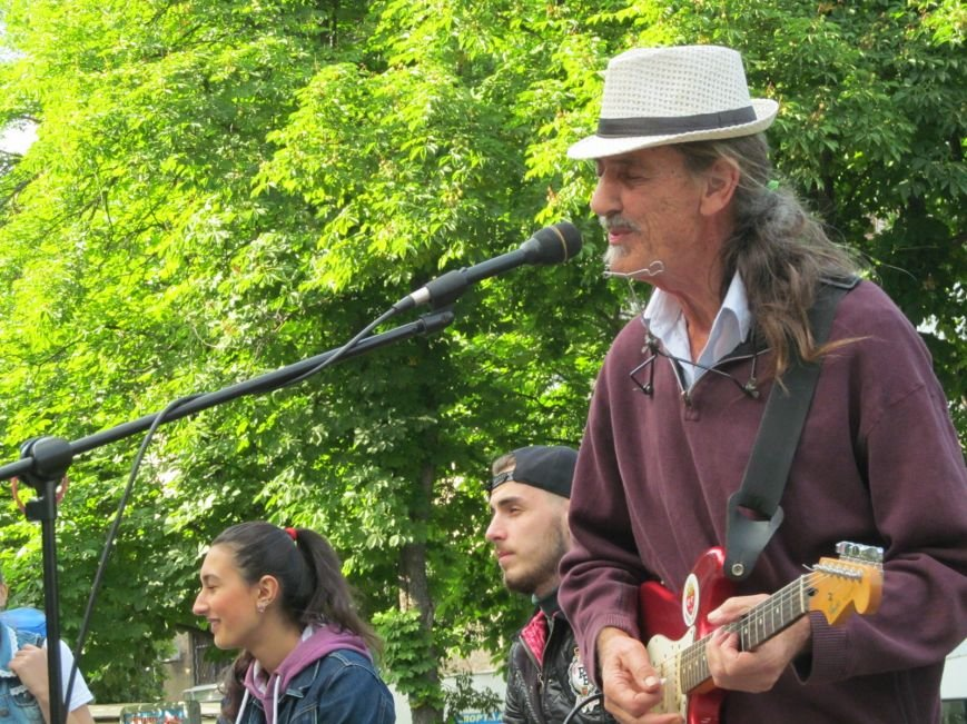 Американець Джеф Кайл грає блюз на вулицях Кременчука (ФОТО, ВІДЕО), фото-2