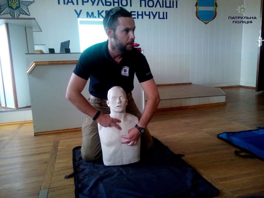 Кременчугские патрульные полицейские учатся оказывать первую медицинскую помощь (ФОТО), фото-5