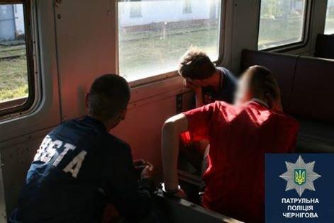 Черниговские патрульные задержали воров, которые промышляли в локомотивном депо, фото-3