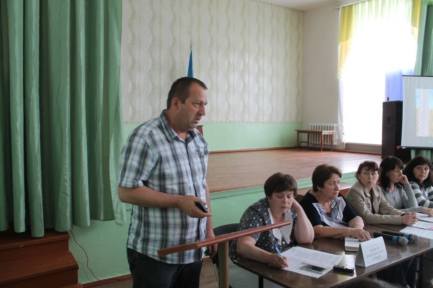 Одной из школ Бахмута присвоят имя Героя Украины, фото-4