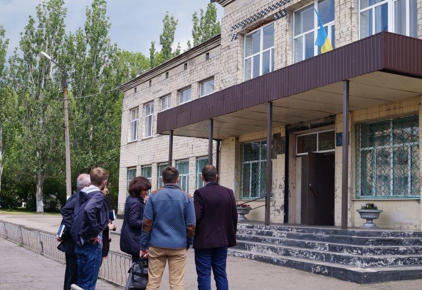 Торецк (Дзержинск) Школа (2)