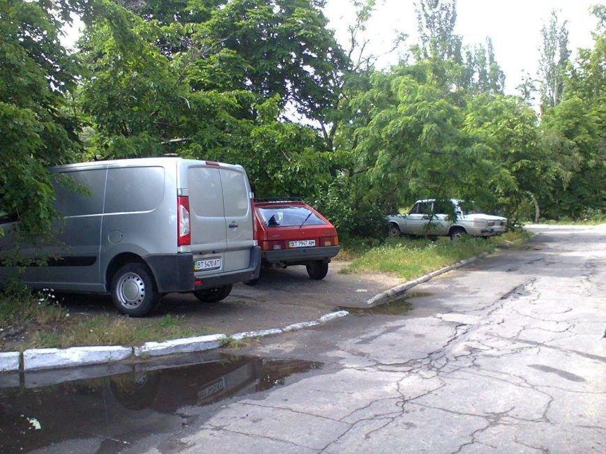 """""""Герои"""" паркования в Новой Каховке (фото), фото-3"""