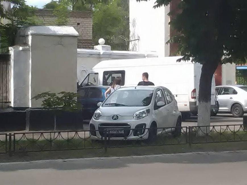"""""""Герои"""" паркования в Новой Каховке (фото), фото-5"""