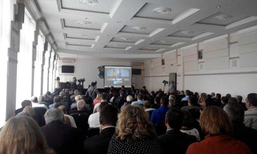 В Краматорске  в режиме онлайн Порошенко подписал закон о выделении денег Донбассу, фото-1