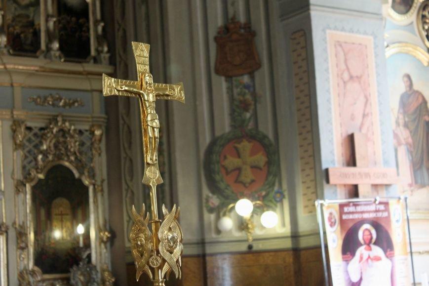 До Ужгорода привезли мощі Святого чудотворця Шарбеля: фото, фото-10