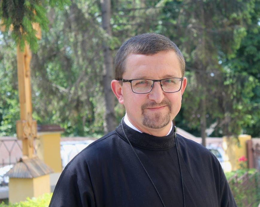 До Ужгорода привезли мощі Святого чудотворця Шарбеля: фото, фото-3