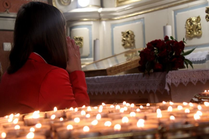 До Ужгорода привезли мощі Святого чудотворця Шарбеля: фото, фото-9