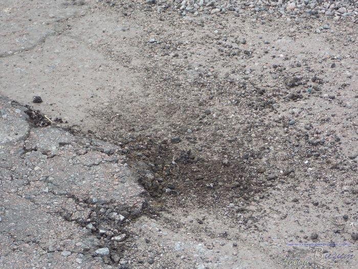 За 10 дней дорожники отремонтировали 2 км дороги, которая соединяет Геническ и трассу Харьков-Симферополь (фото), фото-2