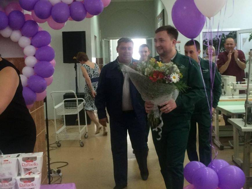 В Мариуполе сотрудники легкой промышленности отметили профессиональный праздник (ФОТО), фото-5