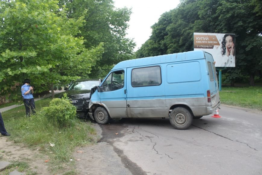 На набережній в Ужгороді аварія з потерпілою: фото, фото-3