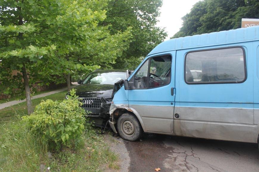 На набережній в Ужгороді аварія з потерпілою: фото, фото-5