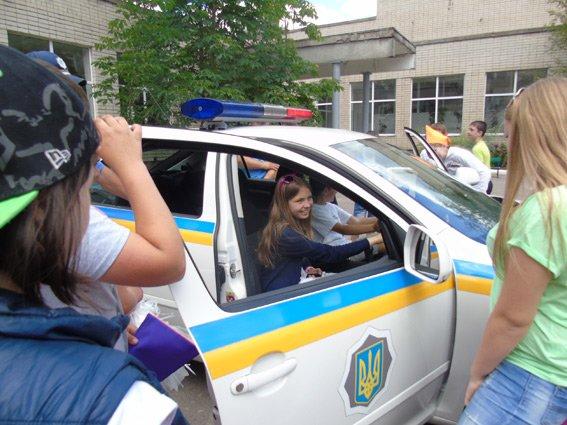 Полицейские Херсонской области побывали в детском пришкольном лагере (фото), фото-2