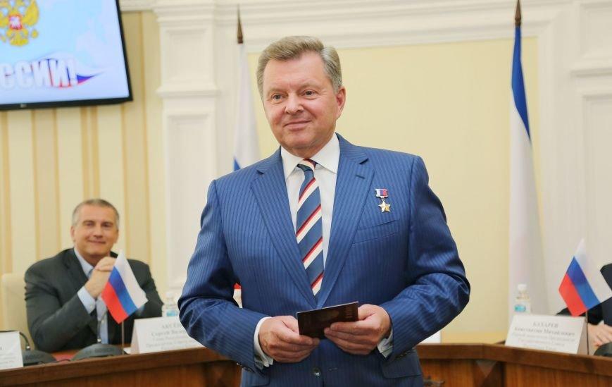 Аксёнов: Россия достойно отвечает на исторические вызовы и движется по пути процветания и успеха (ФОТО), фото-3