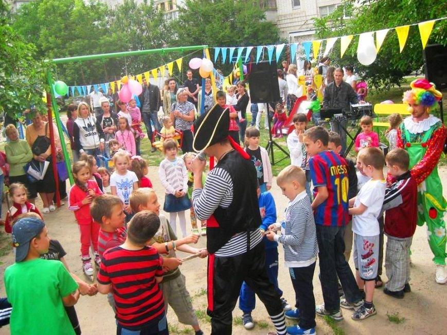 В Антоновке на одну детскую площадку стало больше (фото), фото-1