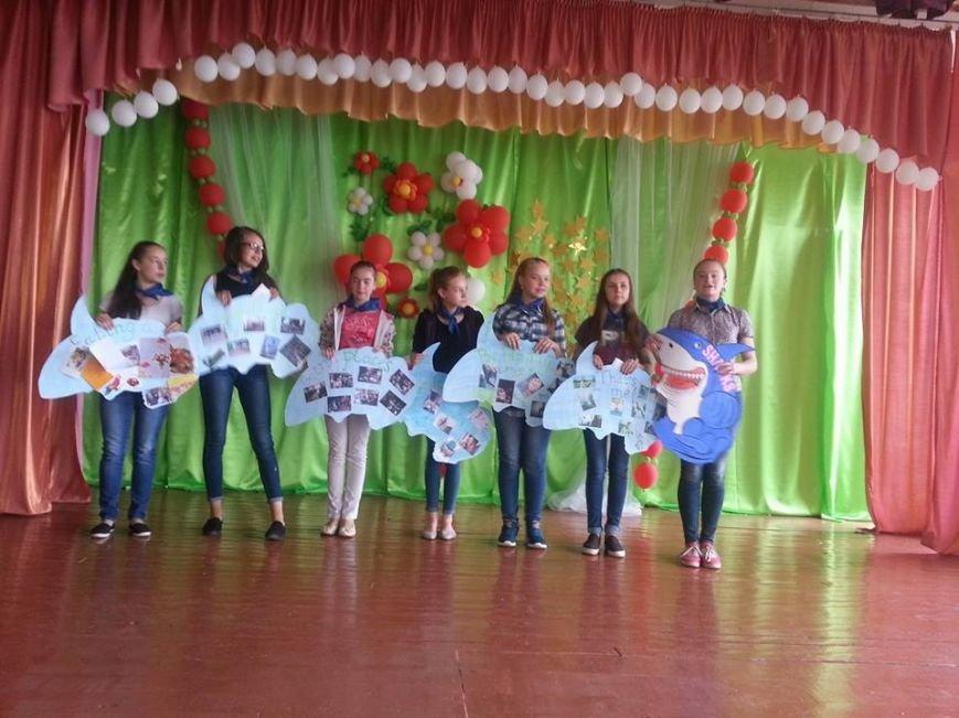 У Новограді-Волинському відбулося офіційне закриття мовного табору в спеціалізованій школі №4, фото-1