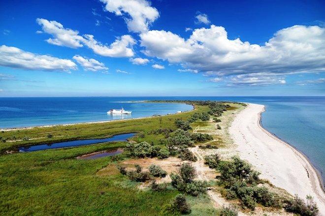 Острова Джарылгач и Бирючий в Херсонской области вошли в топ-5 островов, которые стоит посетить этим летом, фото-1