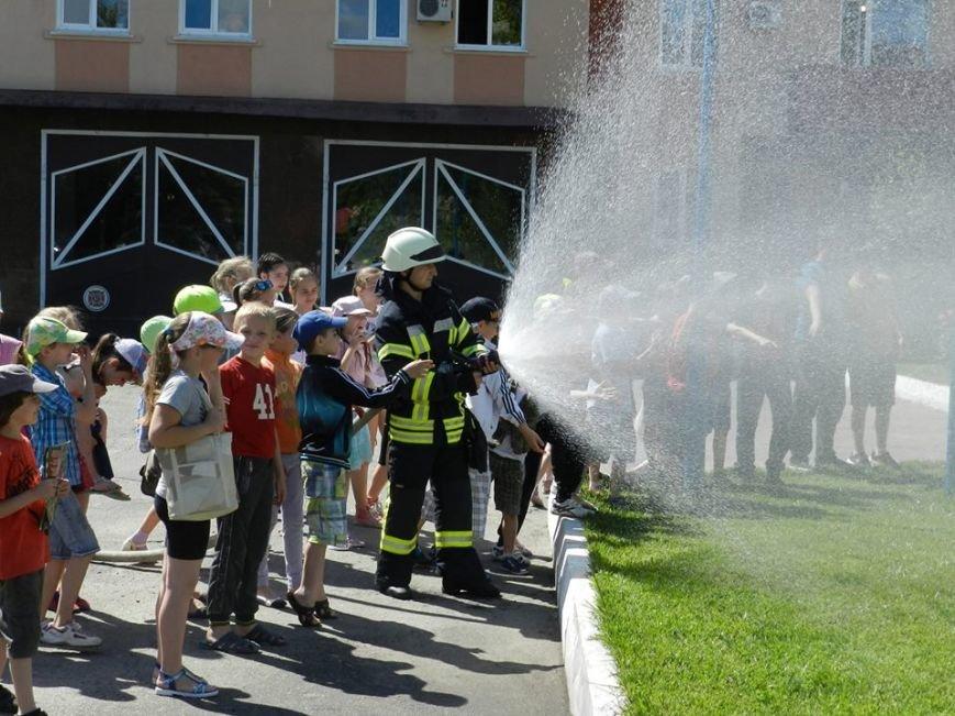 Юные херсонцы побывали на экскурсии у спасателей (фото), фото-1