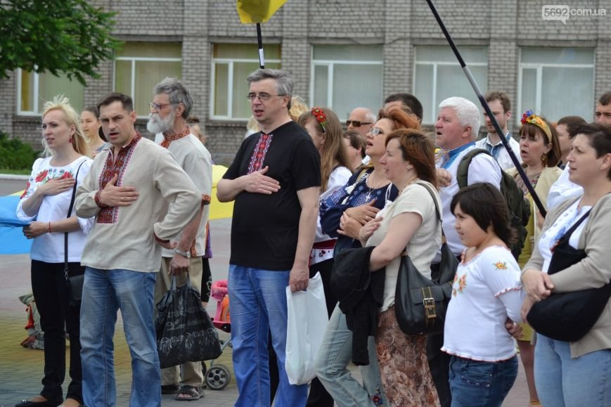 Жители Каменского провели марш за сохранение названия города, фото-16