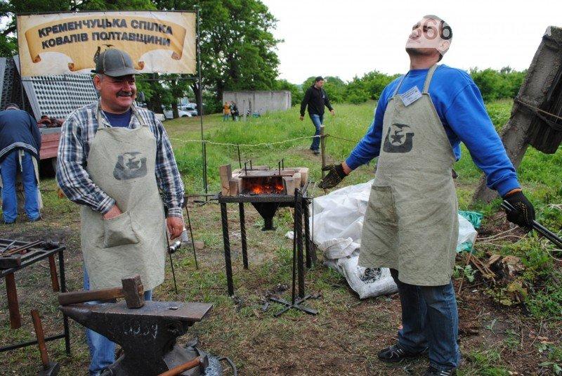 На Международном клубничном фестивале под Кременчугом изобрели новое блюдо - борщ с клубникой (ФОТО), фото-2