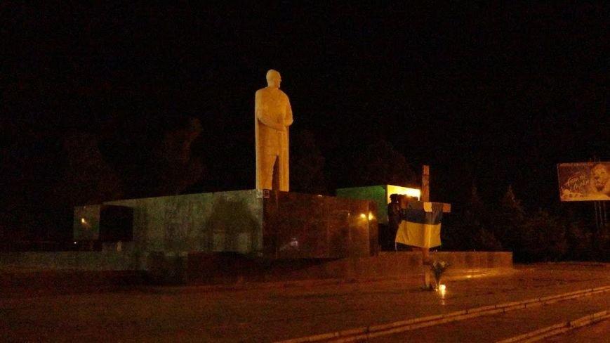 В Мариуполе разгорелся скандал вокруг креста на площади Свободы (ФОТО), фото-7