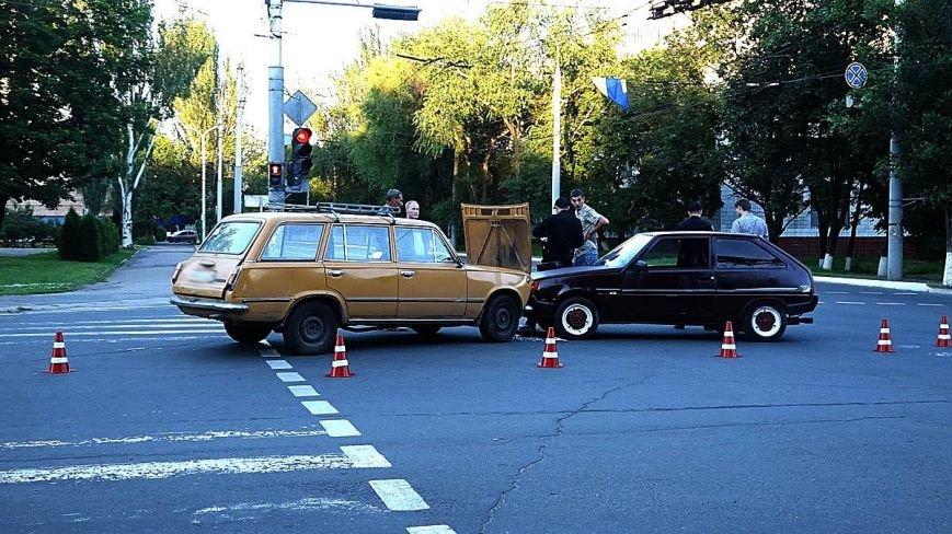 В Мариуполе водитель ВАЗа  без прав спровоцировал аварию на оживленном перекрестке (ФОТО+ВИДЕО), фото-5