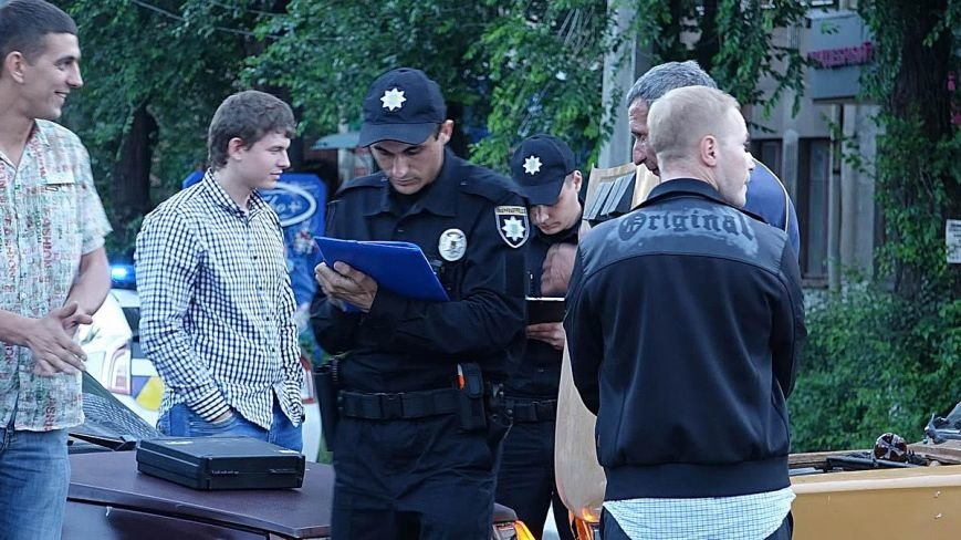 В Мариуполе водитель ВАЗа  без прав спровоцировал аварию на оживленном перекрестке (ФОТО+ВИДЕО), фото-6