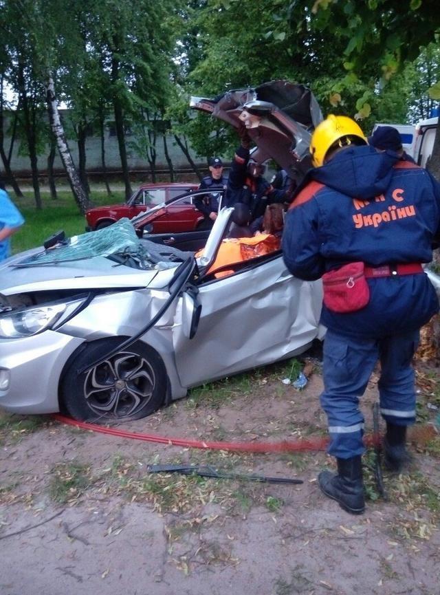 В ДТП на Кольцевой в Чернигове погибло два парня, фото-5