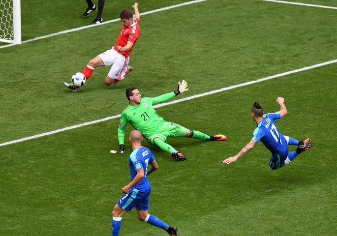 Уэльс - Словакия 2:1 (фото), фото-1
