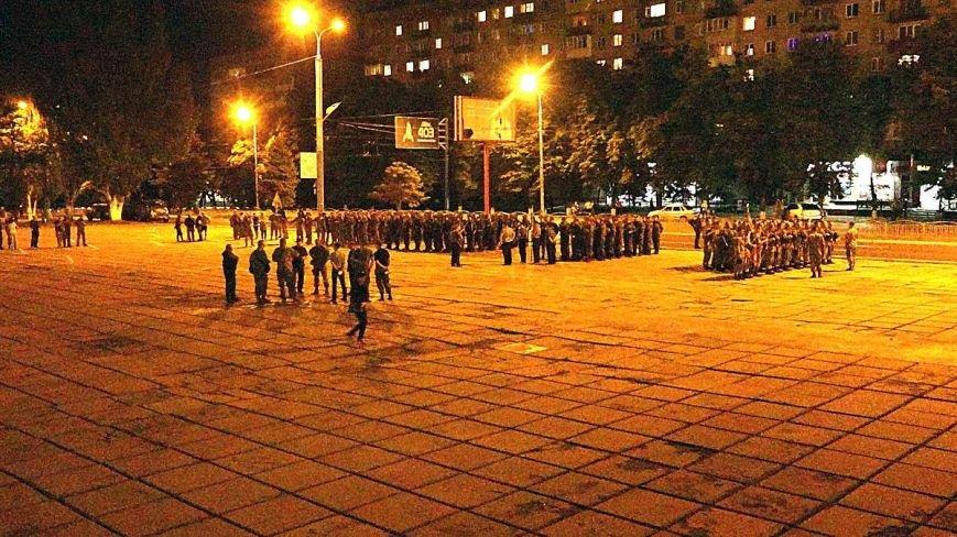 В Мариуполе военные ночью репетировали встречу с Олегом Ляшко и Арсеном Аваковым (ФОТО), фото-3