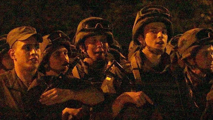 В Мариуполе военные ночью репетировали встречу с Олегом Ляшко и Арсеном Аваковым (ФОТО), фото-4