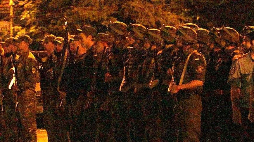 В Мариуполе военные ночью репетировали встречу с Олегом Ляшко и Арсеном Аваковым (ФОТО), фото-6