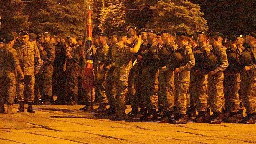 В Мариуполе военные ночью репетировали встречу с Олегом Ляшко и Арсеном Аваковым (ФОТО), фото-2