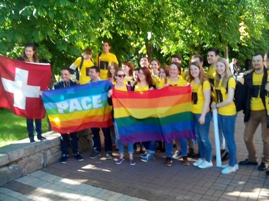 В Киеве начался Марш равенства. Правый сектор поджидает колонну где-то на пути, чтобы заблокировать движение (ФОТО), фото-3