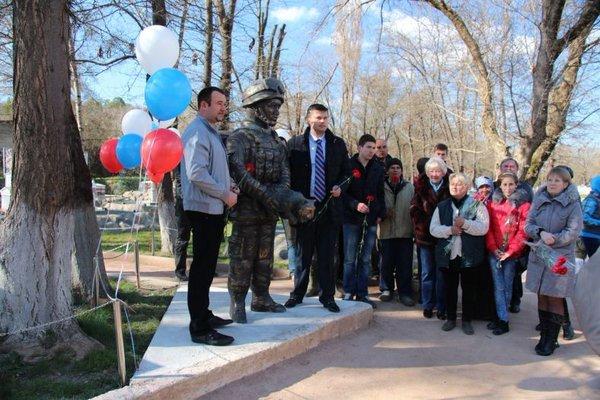 В Криму встановили ще один пам'ятник окупантам, фото-2