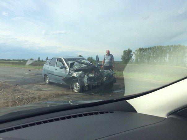 Под Старой Майной лоб в лоб столкнулись два автомобиля. ФОТО, фото-1
