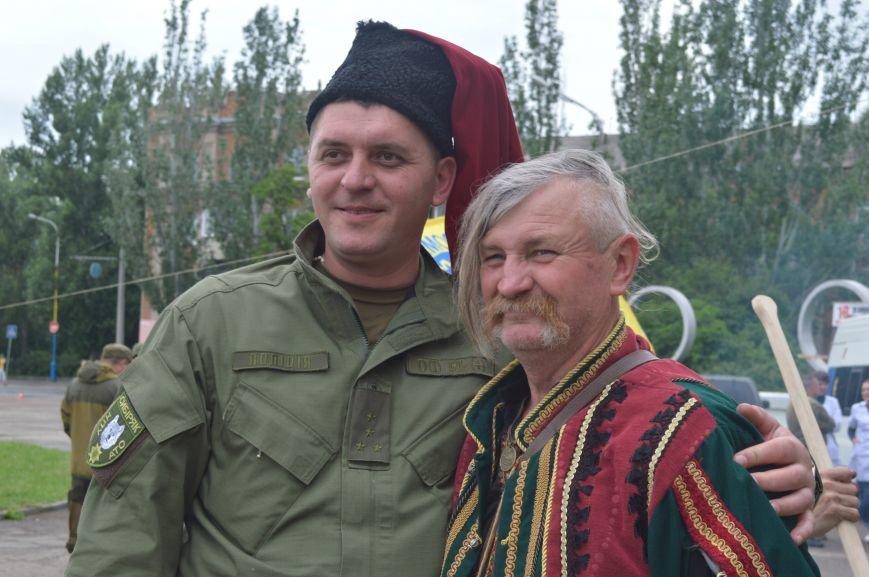 В Северодонецке прошла патриотическая акция, посвященная Дню Конституции Украины, фото-3