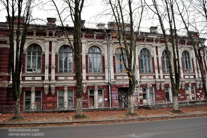 Бывшая резиденция губернского земства в Екатеринославе: архитектурный памятник рассыпается на глазах (ФОТО, ВИДЕО), фото-3