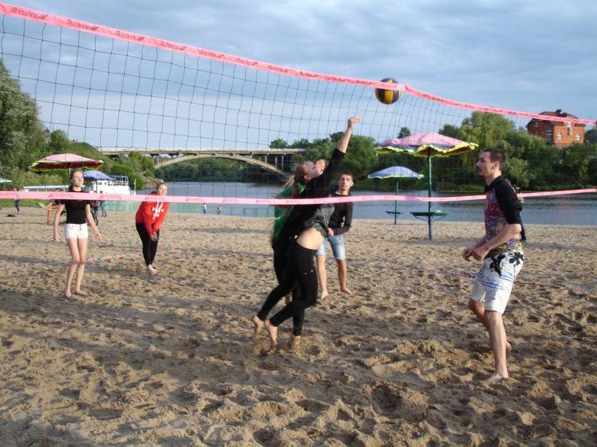 Турнір з пляжного волейболу: фінал вже близько, фото-1