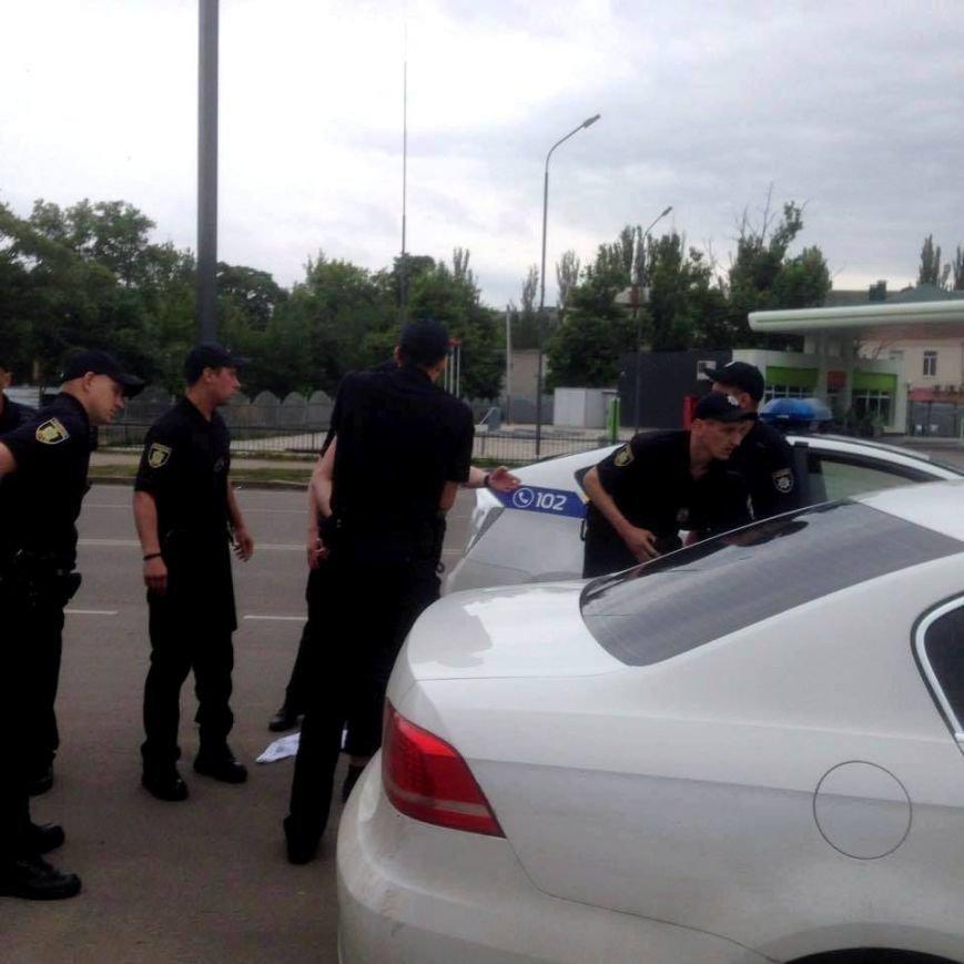 Херсонка стала свидетелем погони полицейскими автомобиля, несущегося на огромной скорости в черте города (фото), фото-2