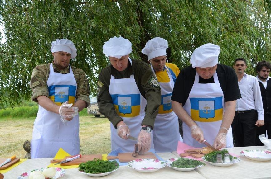 Аваков, Тарута, Аброськин и Троян сварили гороховый суп для мариупольцев (ФОТО+ВИДЕО), фото-1