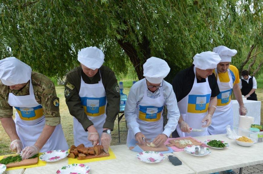 Аваков, Тарута, Аброськин и Троян сварили гороховый суп для мариупольцев (ФОТО+ВИДЕО), фото-14