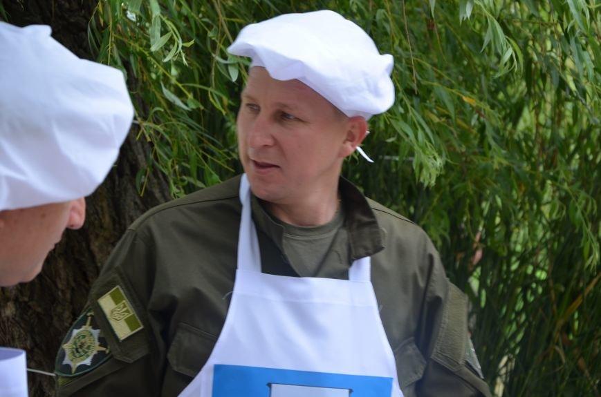 Аваков, Тарута, Аброськин и Троян сварили гороховый суп для мариупольцев (ФОТО+ВИДЕО), фото-7