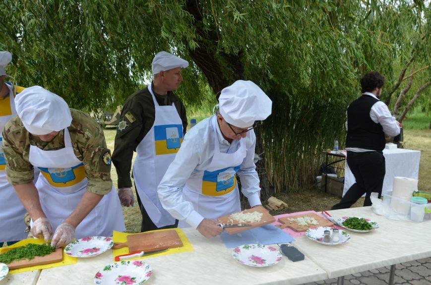 Аваков, Тарута, Аброськин и Троян сварили гороховый суп для мариупольцев (ФОТО+ВИДЕО), фото-3
