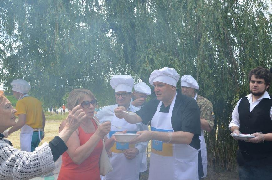 Аваков, Тарута, Аброськин и Троян сварили гороховый суп для мариупольцев (ФОТО+ВИДЕО), фото-15