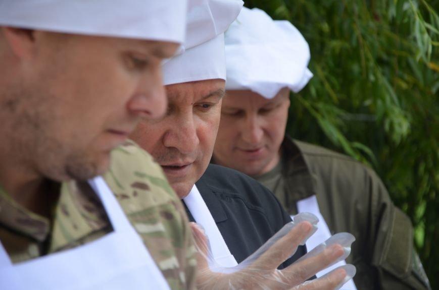 Аваков, Тарута, Аброськин и Троян сварили гороховый суп для мариупольцев (ФОТО+ВИДЕО), фото-10