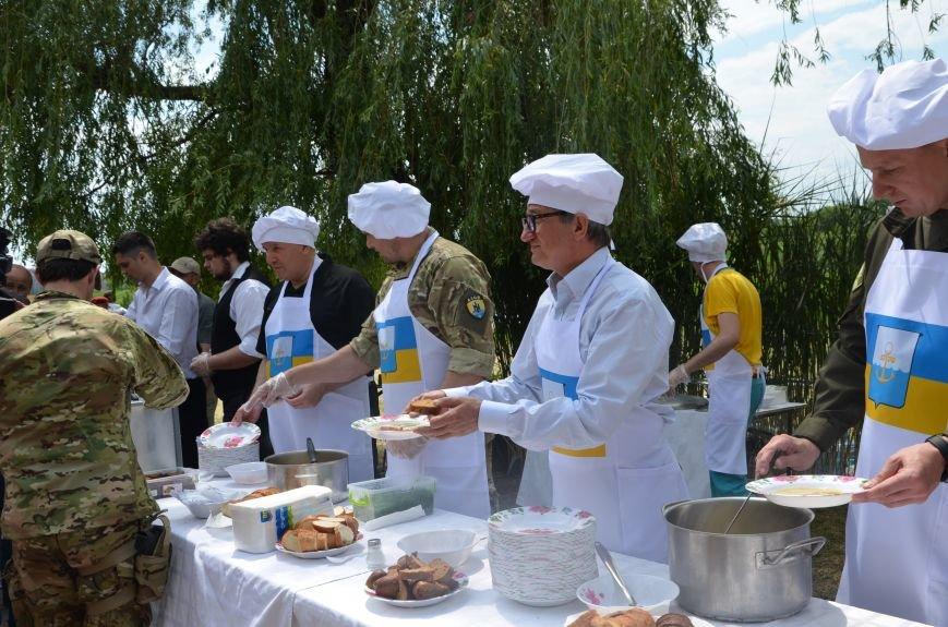 Аваков, Тарута, Аброськин и Троян сварили гороховый суп для мариупольцев (ФОТО+ВИДЕО), фото-18