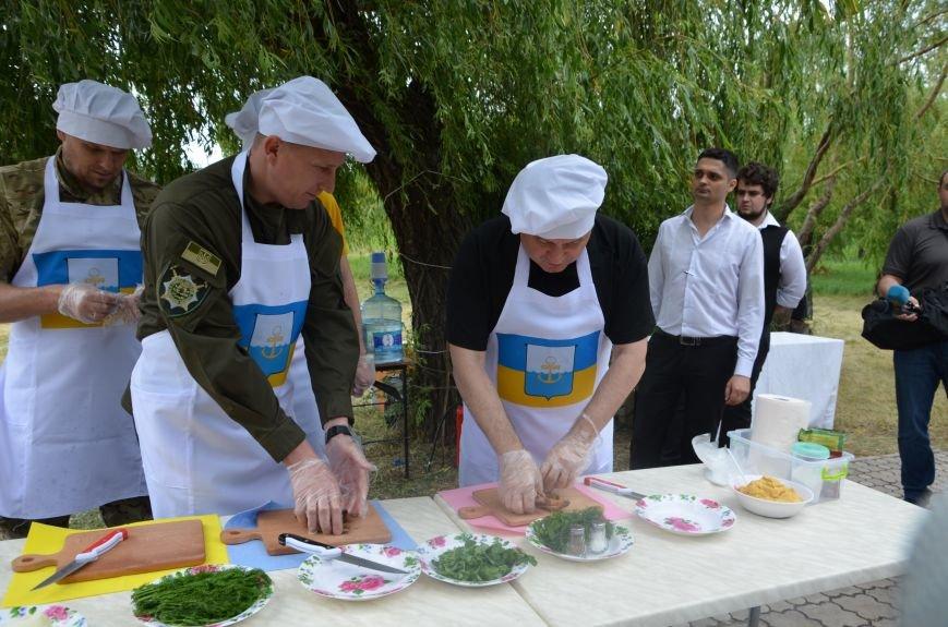 Аваков, Тарута, Аброськин и Троян сварили гороховый суп для мариупольцев (ФОТО+ВИДЕО), фото-11