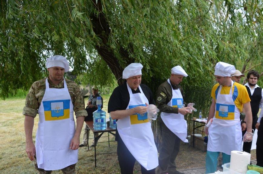Аваков, Тарута, Аброськин и Троян сварили гороховый суп для мариупольцев (ФОТО+ВИДЕО), фото-9